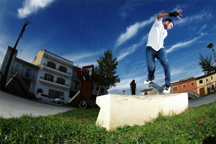 Backside nose blunt slide en Sa Pobla. Miguel Urbina.