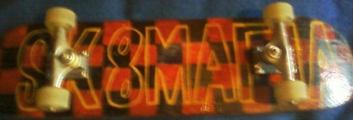 Una foto mi tabla skatemafia que es que