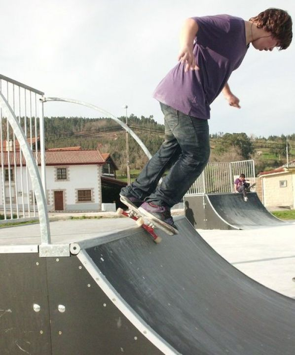 Feblee yo skatepark castillograbado por javi