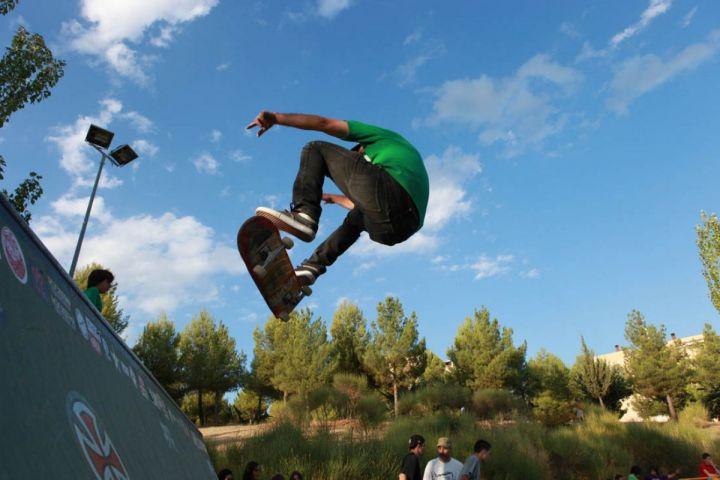 Charlie monroig frontside flip skate from the crypt