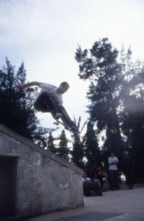 Urbina sad over the rail safa 1997 foto