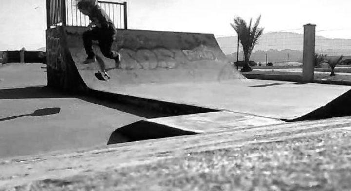 Lukas 50 50 bigspin flip skatepark foz