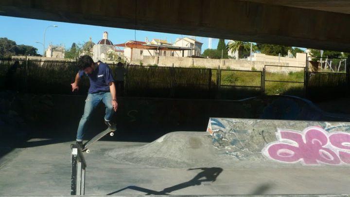 Camilo backside backward en el handrail de Sa Riera.