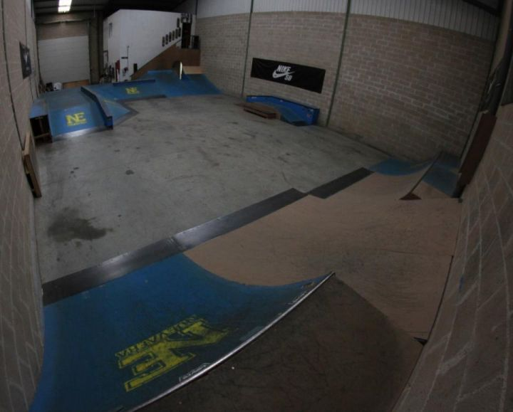 Nueva Era Indoor & Club Sk8 Forma de Vida