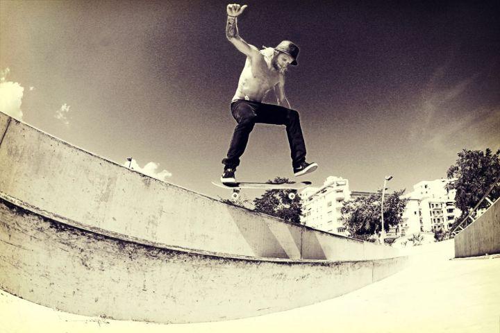 Zac Davis KickFlip Backside Tail Slide